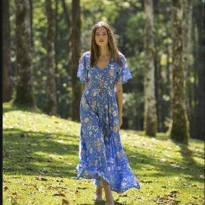 Isla Bay (spell print) Avery flutter gown, M